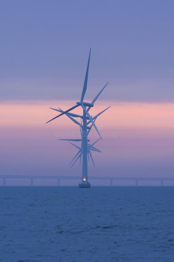 Оффшорное windfarm Lillgrund, Швеция стоковые фотографии rf