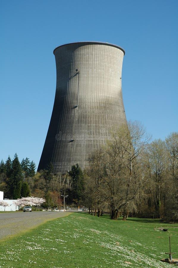 охлаждая башня ядерной державы стоковое изображение