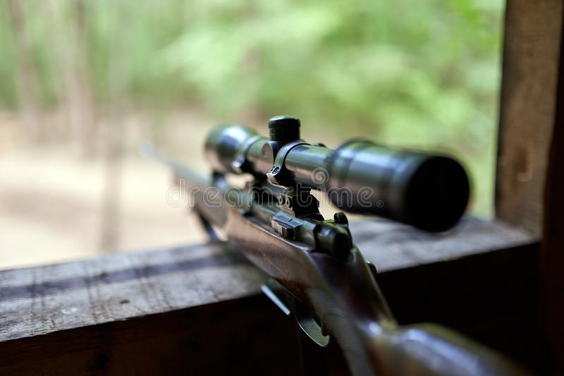 Охотиться винтовка с объемом стоковое фото
