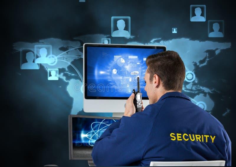 Охранник используя радио и компьютер иллюстрация вектора