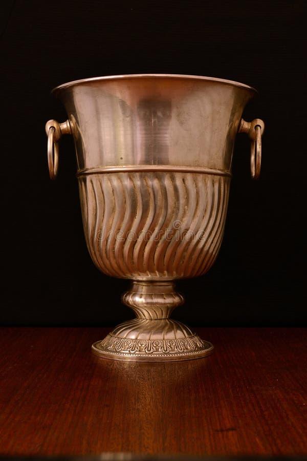 Охладитель Шампани для белой бронзы стоковая фотография rf