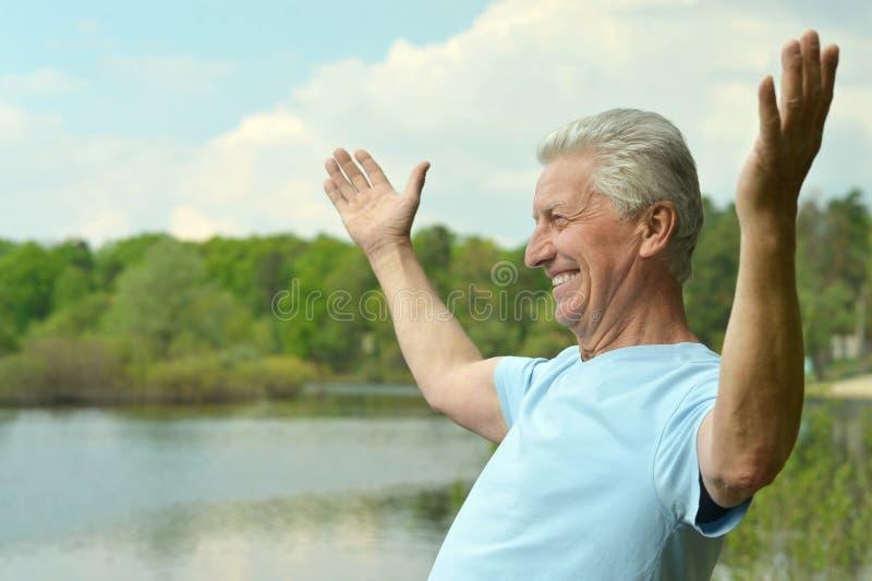 Очаровательный пожилой человек стоковое фото rf