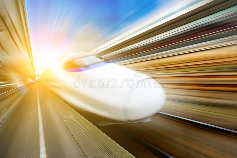 Очень быстроходные поезда стоковые фотографии rf
