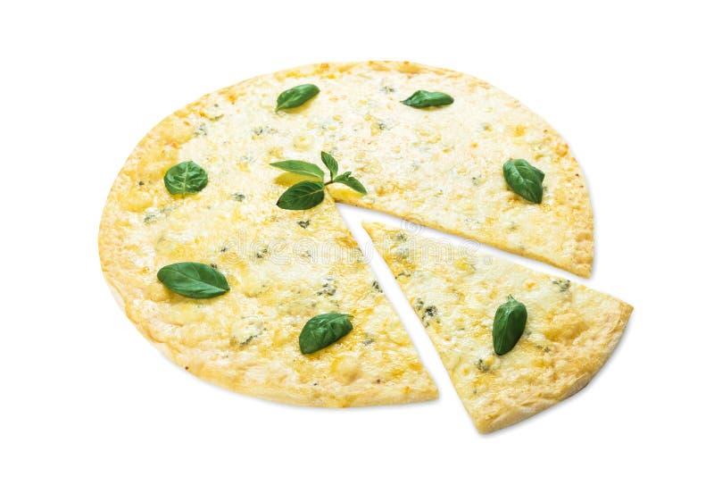 Очень вкусная пицца сыра 4 с листьями базилика стоковые фотографии rf