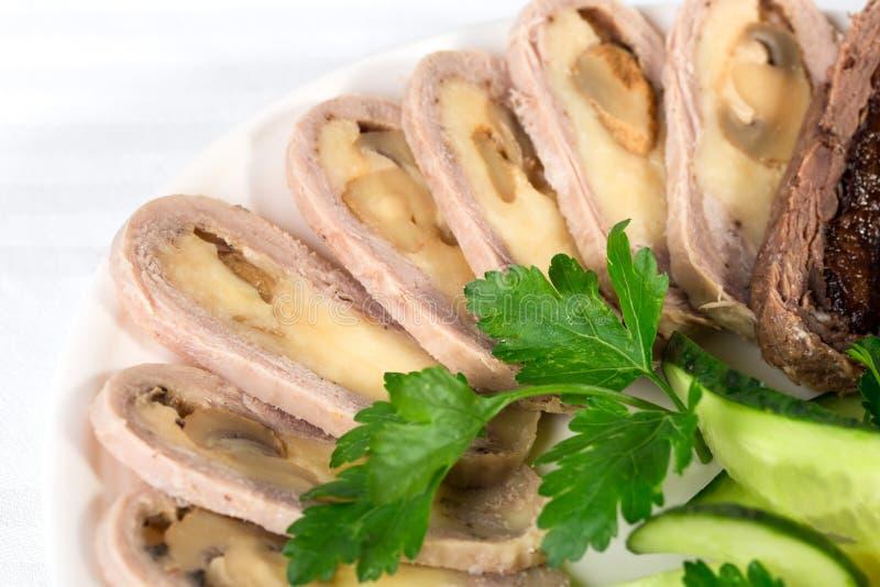 Очень вкусные зажаренные в духовке крены свинины стоковое изображение
