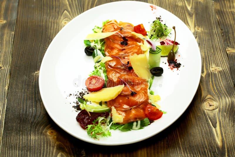 Очень вкусные красные рыбы или семги стоковые фотографии rf