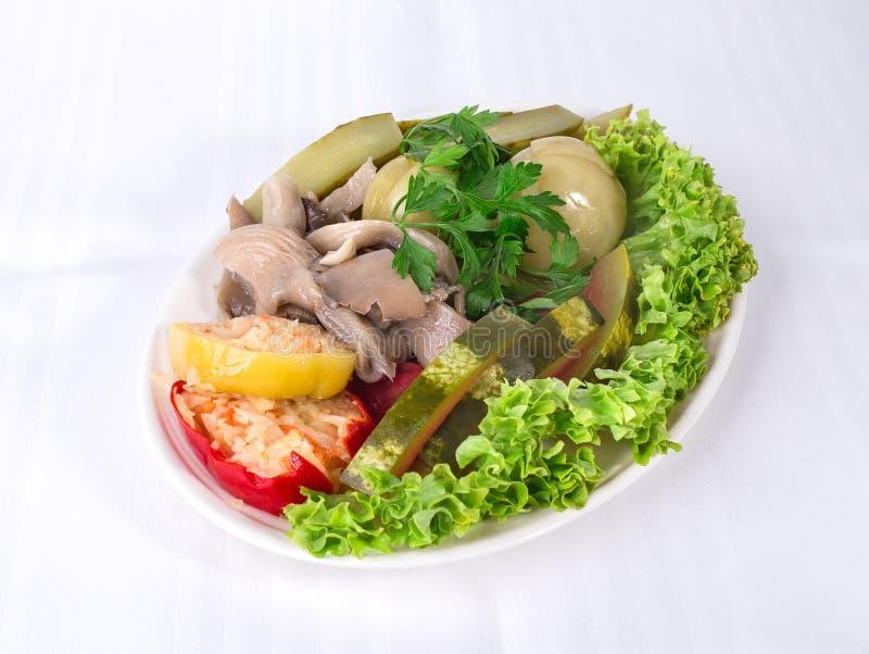 Очень вкусные marinated овощи стоковая фотография rf