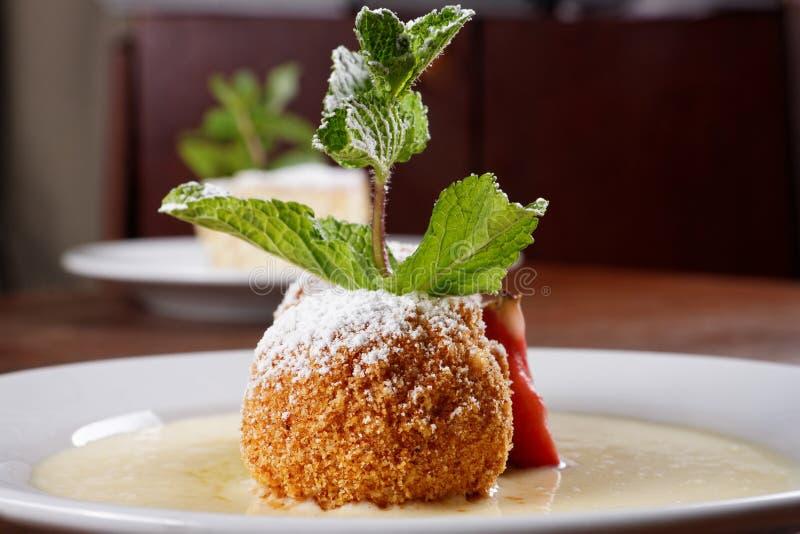 Очень вкусный венгерский десерт стоковая фотография