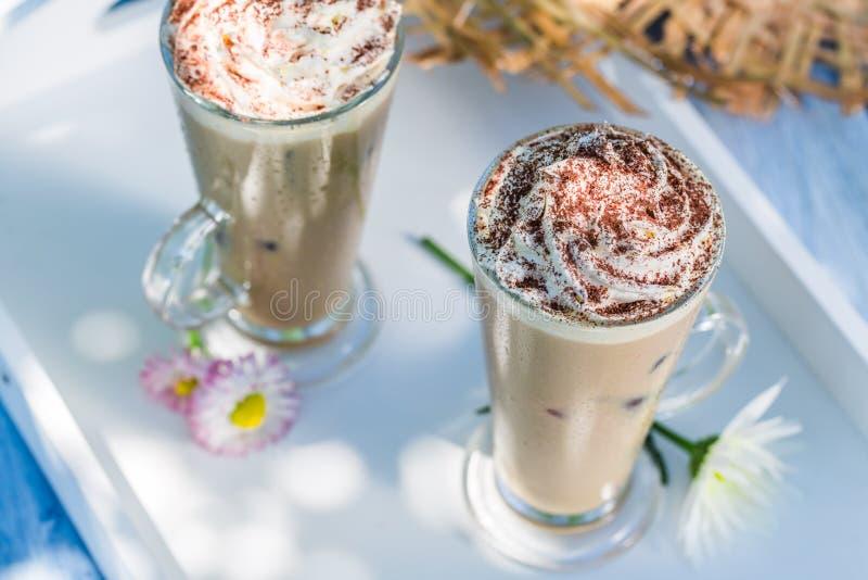 Очень вкусный кофе с взбитой сливк стоковое изображение