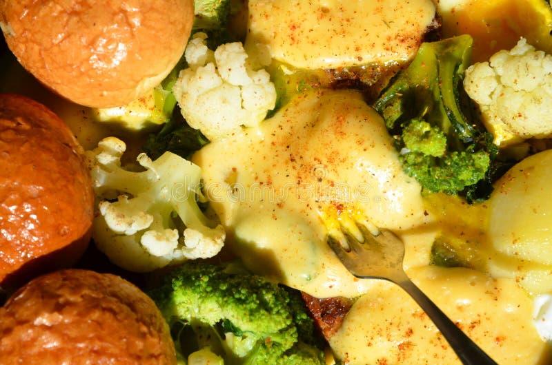 Очень вкусный набор здоровых продуктов питания в лотке стоковое фото