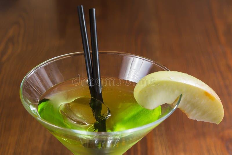 Очень вкусный спиртной коктеиль стоковая фотография