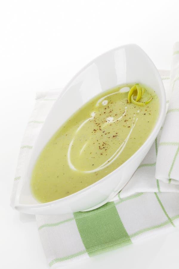 Очень вкусный суп лук-порея. стоковое фото