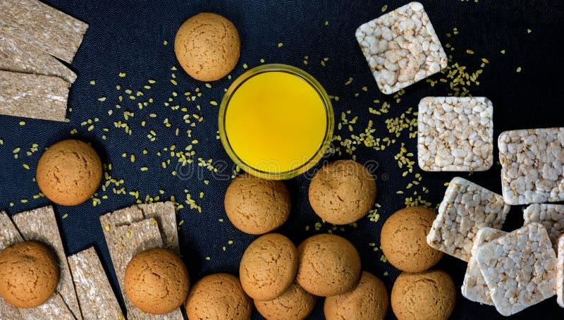 Очень вкусный хлеб с соком Завтраки для здорового питания стоковые изображения