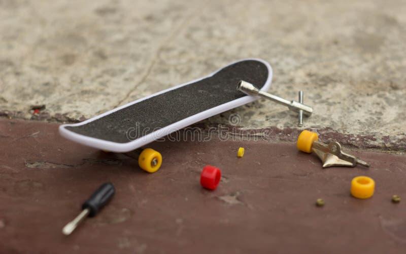 Очень малый скейтборд стоковые изображения