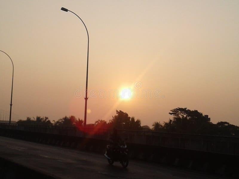 Очень рано утром солнце стоковая фотография rf