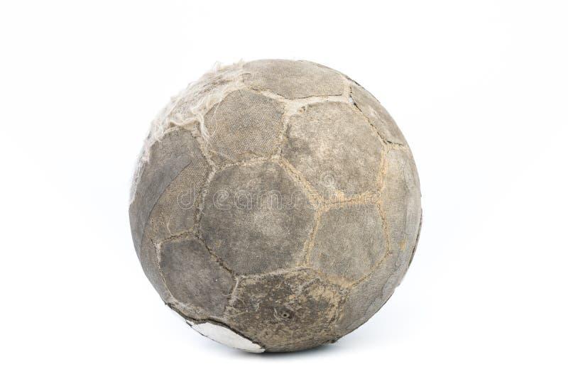 Очень старый изолированный шарик для футбола стоковая фотография rf