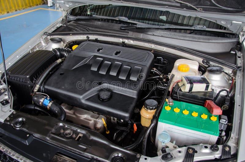 Очистите двигатель автомобиля стоковое изображение