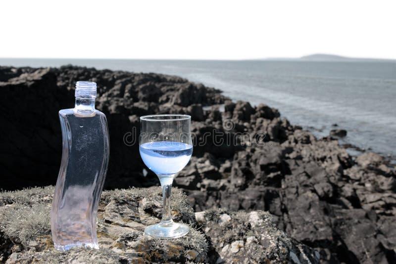 очистьте кристаллическую воду стоковые фото