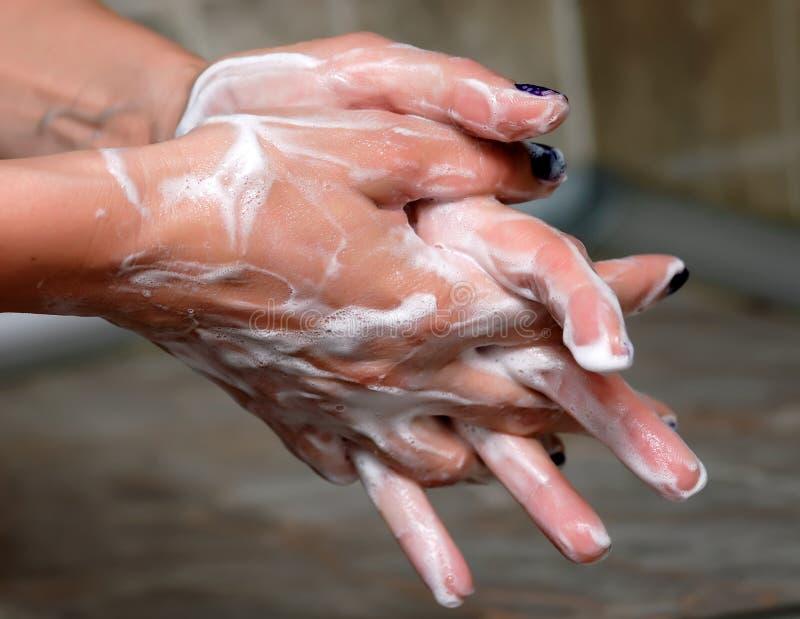 Очистьте руки стоковая фотография