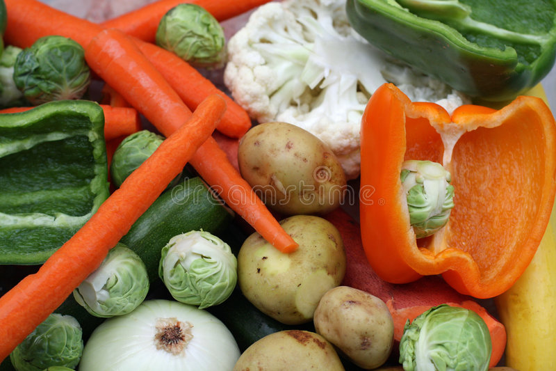 очищенные цветастые свежие овощи стоковые фото