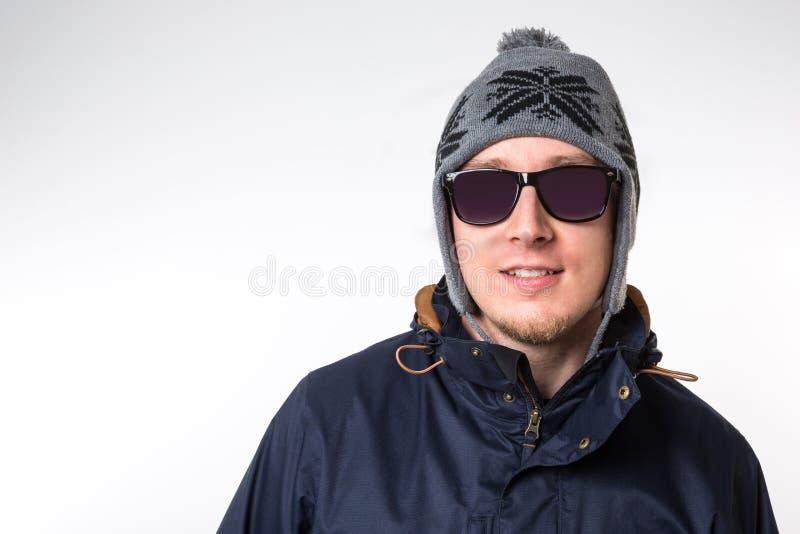Одежды зимы человека нося стоковые фотографии rf