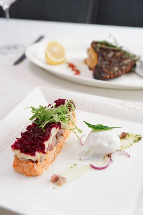 Одетая закуска сельдей, русское блюдо кухни стоковые изображения
