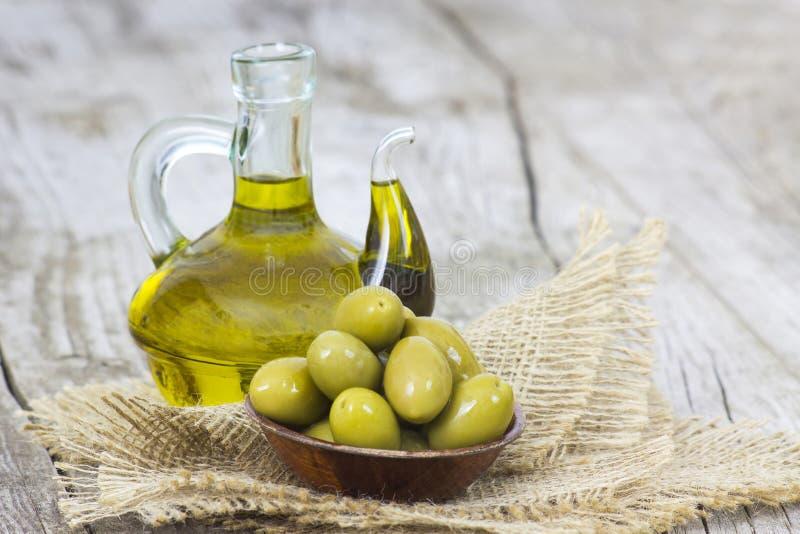 оливки оливки зеленого масла стоковое фото rf