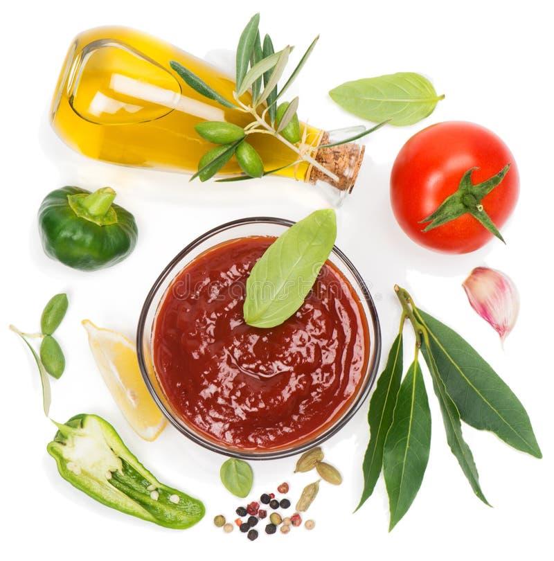 Оливковое масло, овощи и специи стоковое фото rf