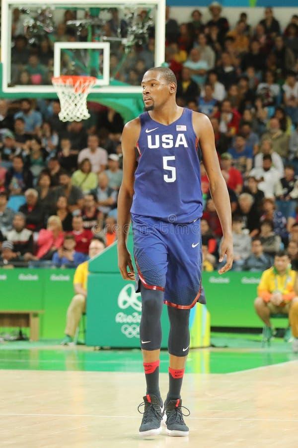 Олимпийский чемпион Кевин Durant команды США в действии на спичке баскетбола группы a между командой США и Австралией стоковые изображения rf