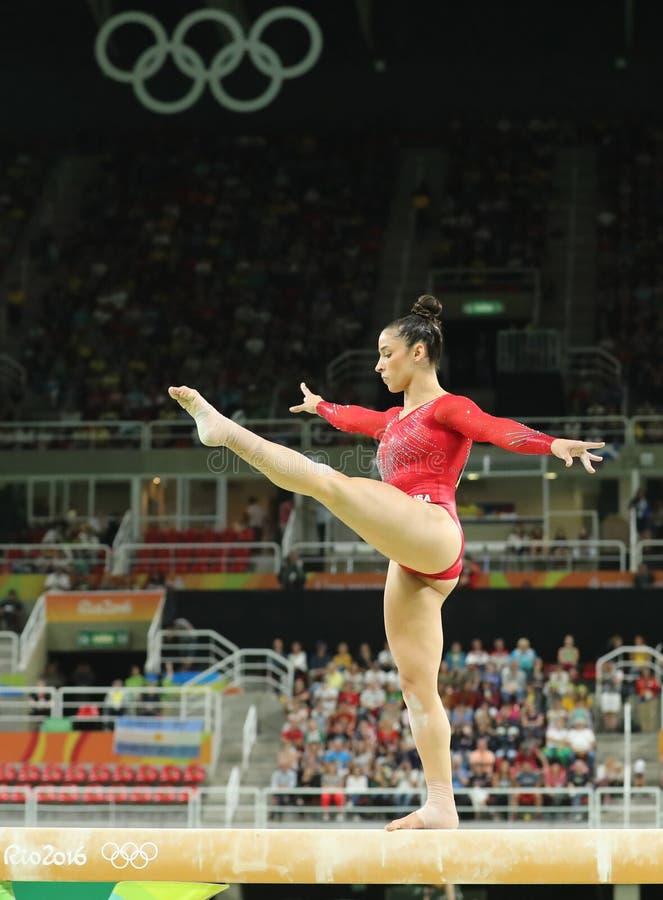 Олимпийский чемпион Aly Raisman Соединенных Штатов состязается на коромысле на женщинах все-вокруг гимнастики на Рио 2016 стоковые изображения rf
