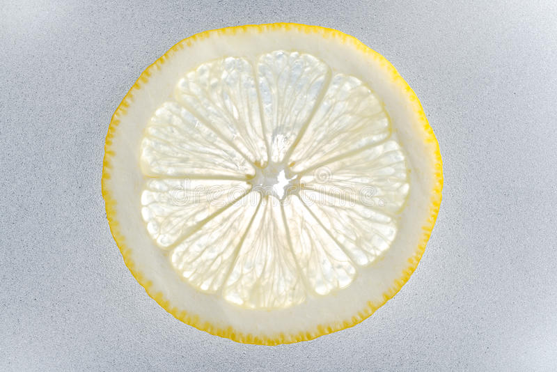 Один кусок лимона стоковые фото
