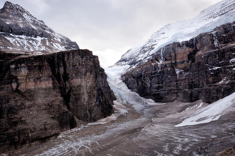 Одичалая природа в скалистых горах, равнина 6 ледников стоковое изображение