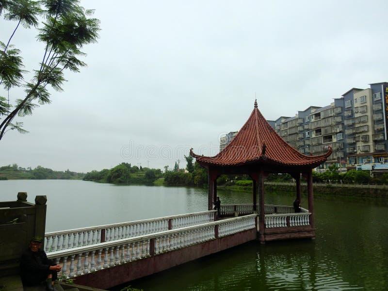 Павильон воды, старая китайская архитектура стоковое изображение rf