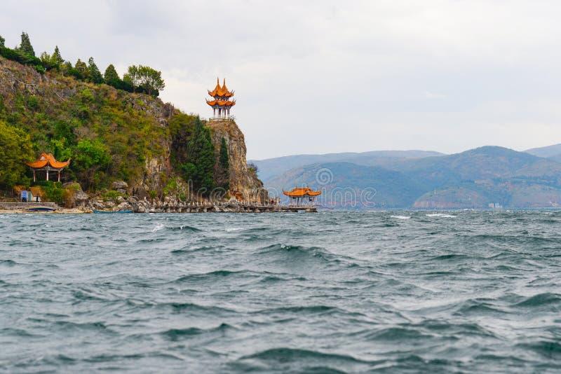 Павильон острова Gushan озера Fuxian стоковая фотография