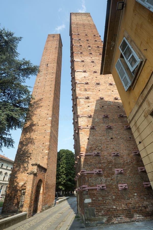 Download Павия, средневековые башни стоковое изображение. изображение насчитывающей landmark - 37926901