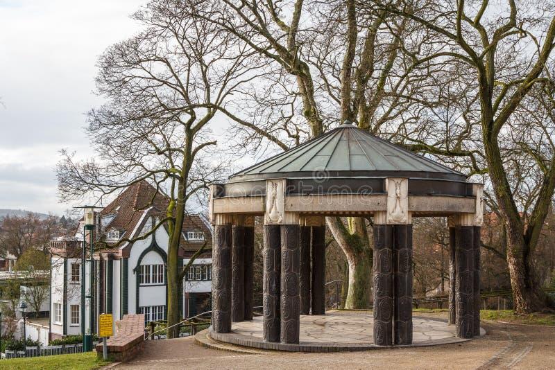 Павильон в парке около башни свадьбы в Дармштадте стоковое фото rf