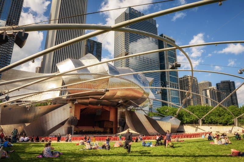 Павильон Джэй Pritzker в парке тысячелетия в Чикаго, Иллинойсе стоковые изображения