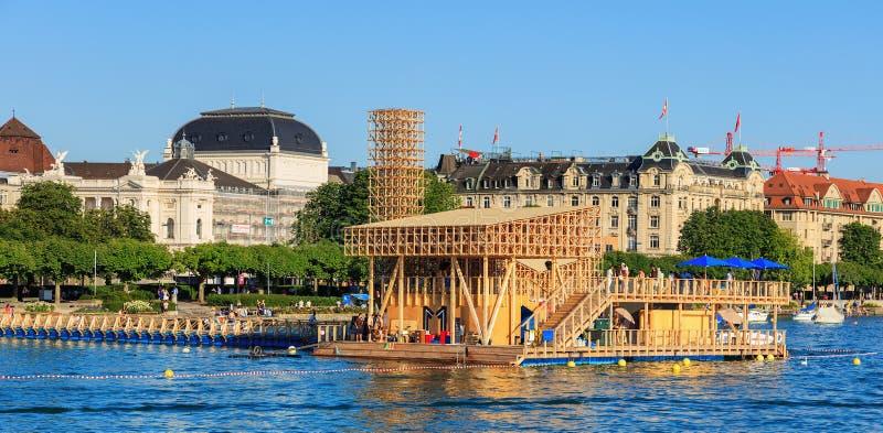 Павильон отражений на озере Цюрихе в Швейцарии стоковое фото rf