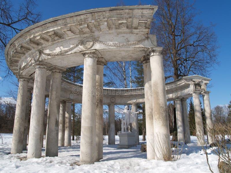 Павловск Колоннада Аполлона в зиме стоковая фотография