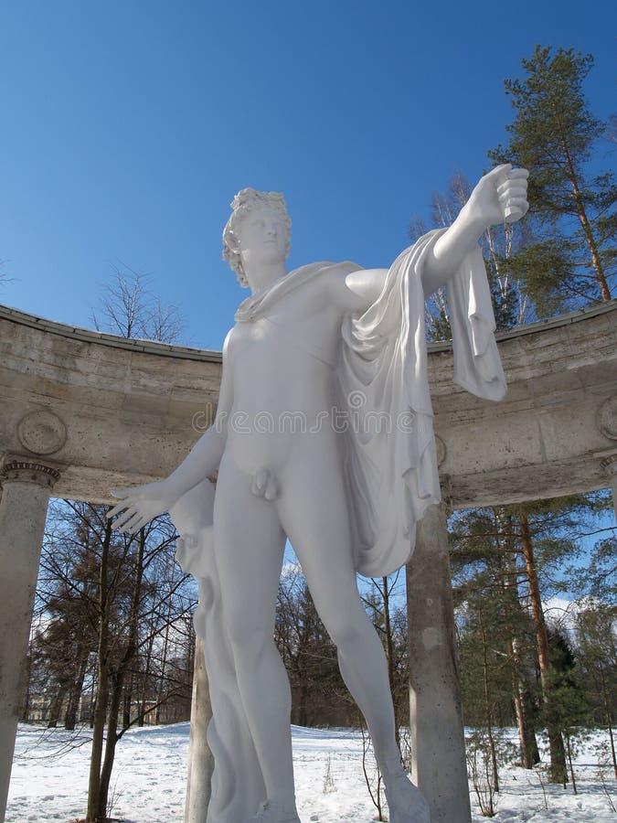 Павловск Колоннада Аполлона против неба стоковое изображение rf