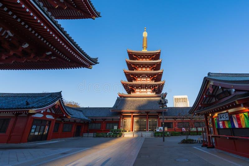 Пагода на виске Sensoji, Токио, Японии стоковые фотографии rf