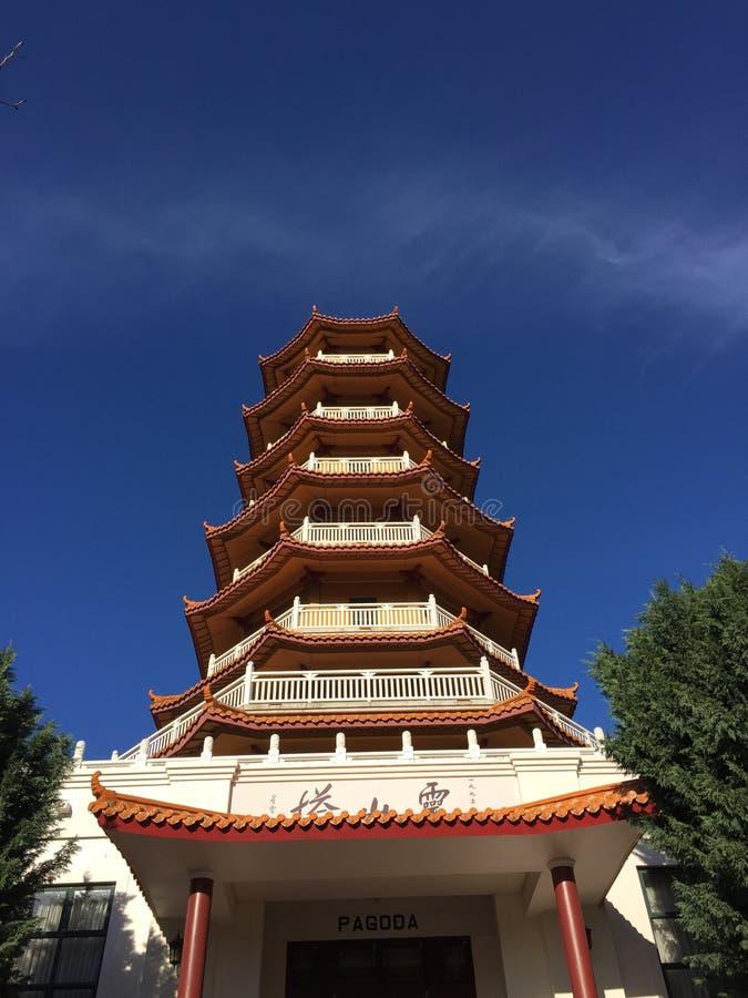 Пагода и небо стоковые фотографии rf