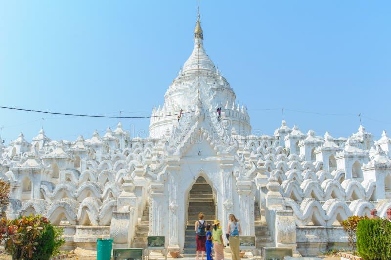 Пагода Hsinbyume или Myatheindan в Mingun стоковые фото