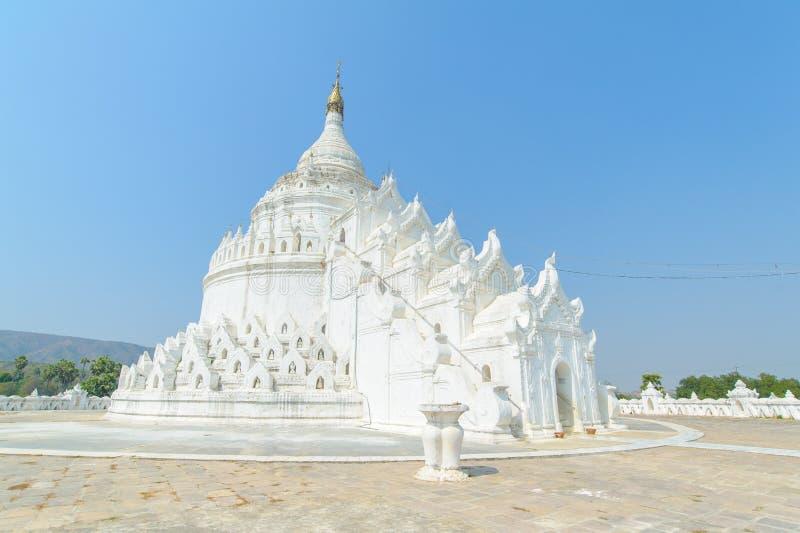 Пагода Hsinbyume или Myatheindan в Mingun стоковое фото rf