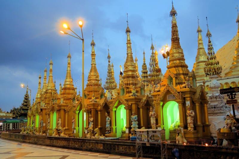 Пагода Schwedagon, большинств важный буддийский висок стоковое изображение