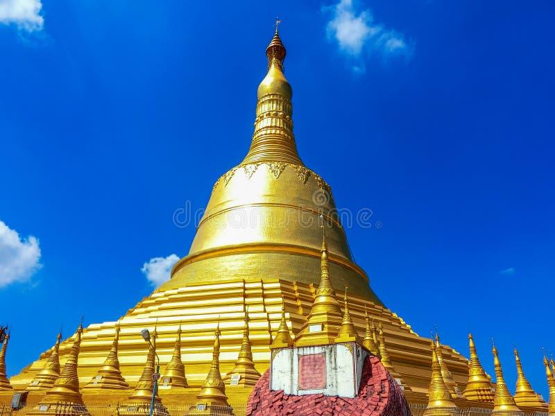 Пагода Shwemawdaw в Мьянме стоковое изображение