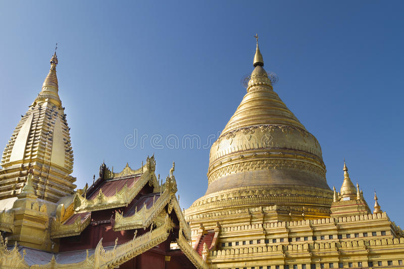 Пагода Shwezigon, Bagan, Мьянма (Бирма) стоковое фото rf