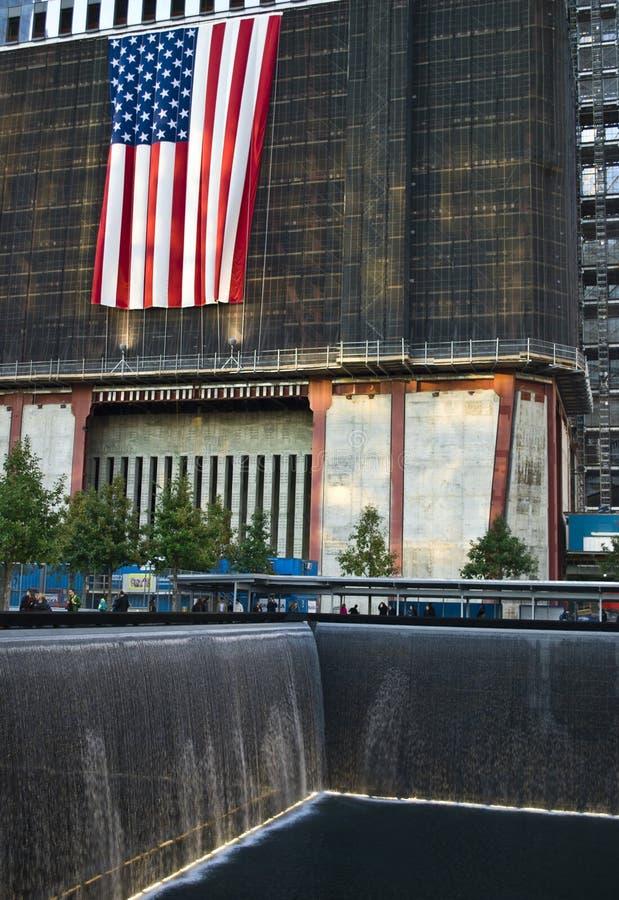 падает башня свободы стоковые фотографии rf
