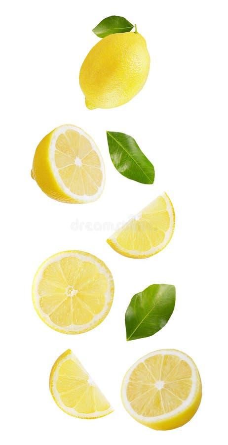 Падая лимон изолированный на белой предпосылке стоковое изображение rf
