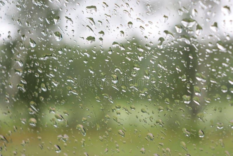 Падения воды на стекле стоковая фотография rf